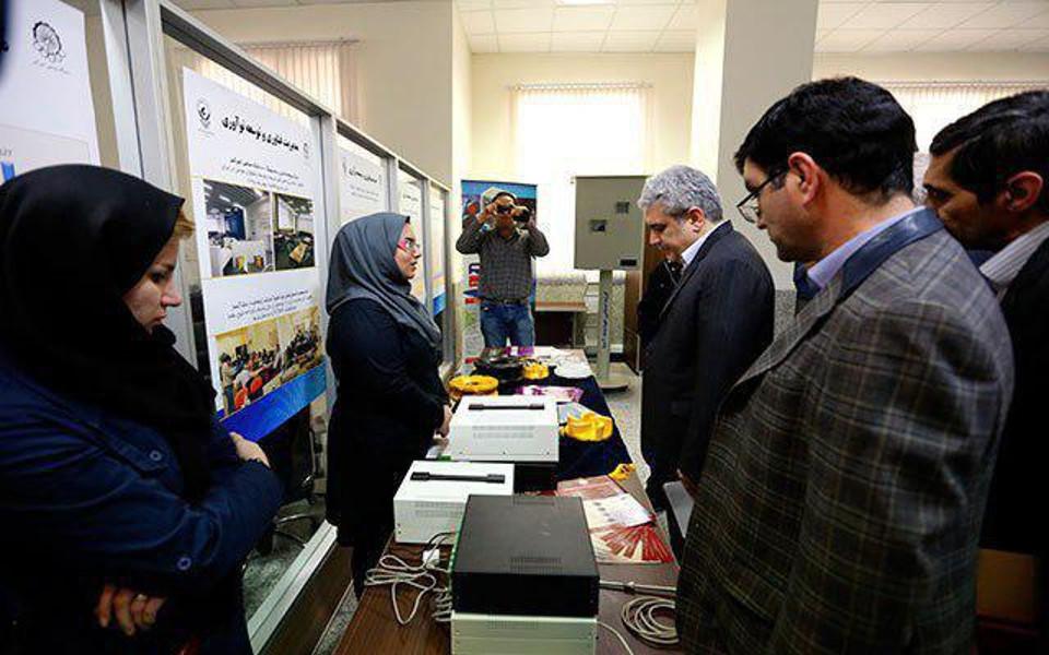 بازدید دکتر سورنا ستاری معاون علمی و فناوری رئیس جمهور از شرکت پارس فنآوران رادین